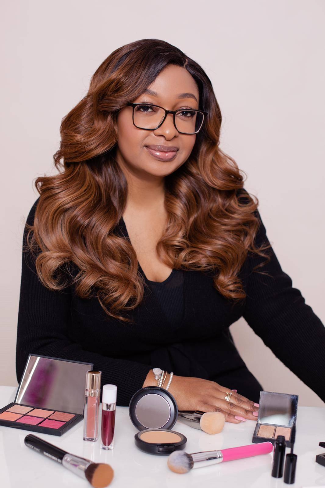 What's In A Celebrity Makeup Artist's Makeup Bag? - blacknet
